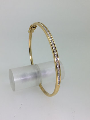 18K Yellow Gold & 1.50ct Diamond Bangle