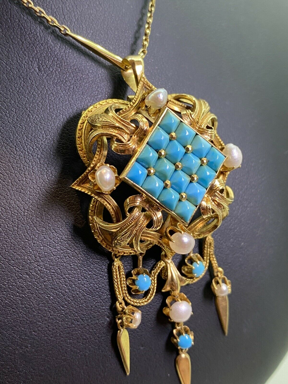 ANTIQUE & ART-DECO JEWELLERY