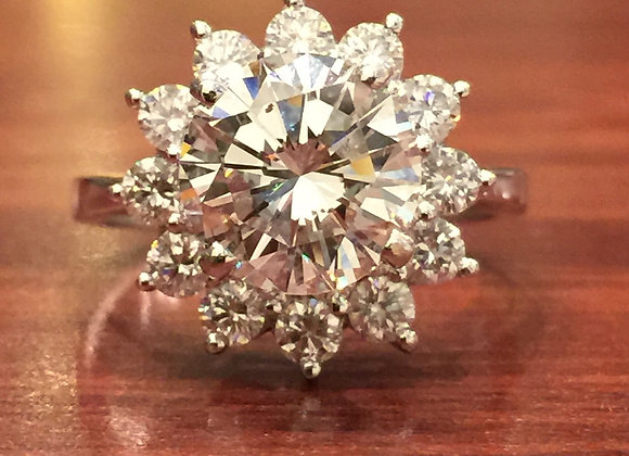 An Impressive Cluster 4.00ct Diamond Ring