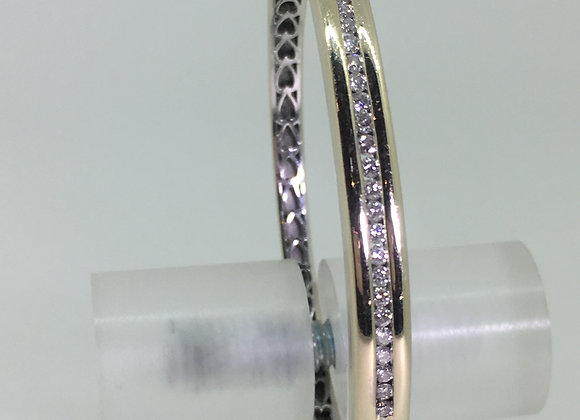 18K White Gold & Channel Set Diamond (0.60ct) Spanish Bangle