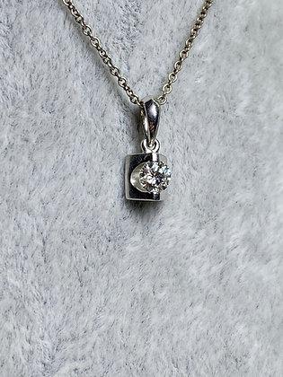 0.21ct Diamond (F/VS) and Platinum 900 Pendant