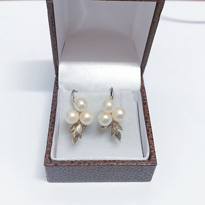 Silver and Pearl Vintage Clips