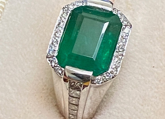 Magnificent 5.02ct Colombian Emerald & Diamond Ring, 18K Gold
