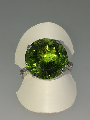 11.5ct Round Green Peridot & Diamond Ring in 18K White Gold