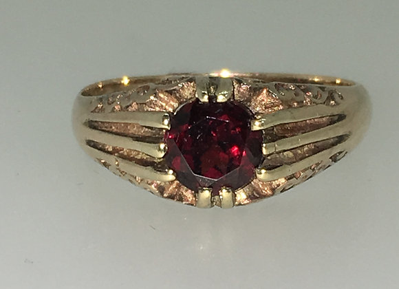 An Art-Deco circa 1940's 9K Yellow Gold & 1.00ct Garnet Ring