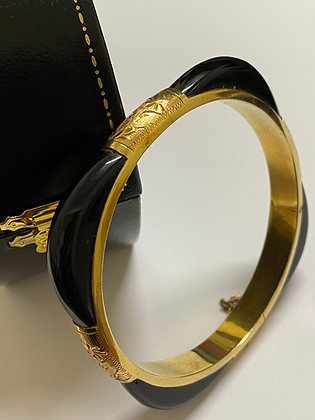 Black Onyx & 14K (585) Gold Engraved Austrian Bangle