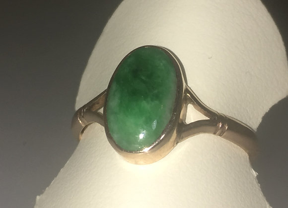 Oval Cabochon Jade in 9K Yellow Gold