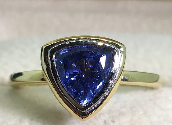 1.00ct Trilliant Cut Ceylon Sapphire Ring in 18K Yellow Gold