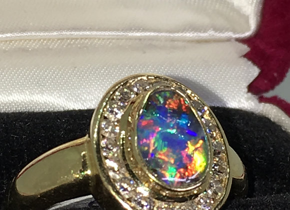 1.50ct Opal (bean shaped) & Diamond Ring in 18K Yellow Gold