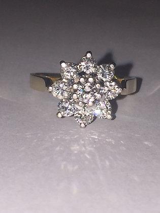 Daisy Diamond Ring in 18K Gold