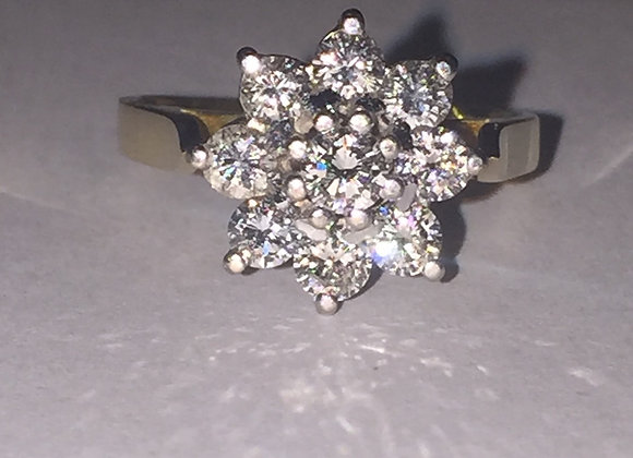 Daisy Diamond Ring in 18K Gold