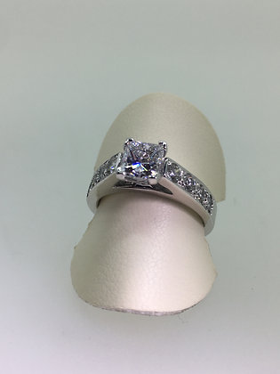 0.91ct Princess Cut Diamond Ring (E/VS2) in 18K White Gold