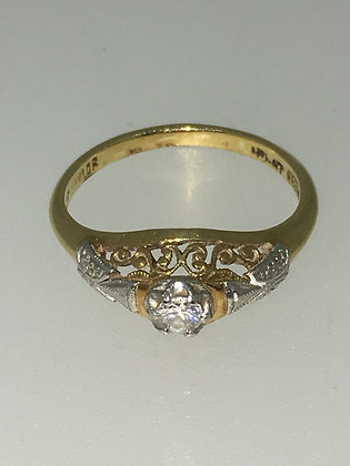 Tri-Coloured Gold/Platinum & Transitional Cut Diamond Ring