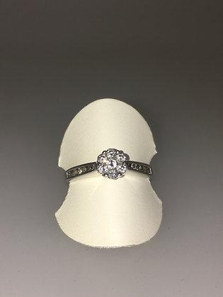 Diamond Daisy Ring in 10K White Gold