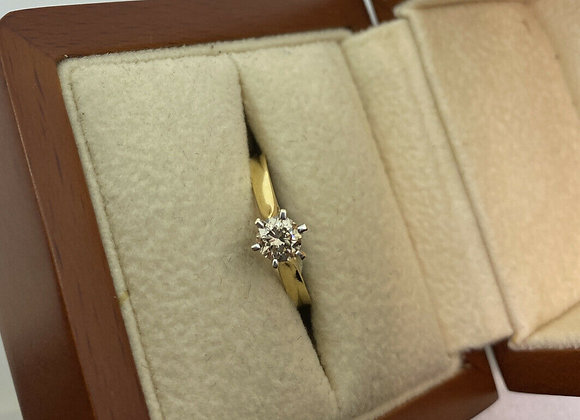 6-claw Set 0.40ct Fine Champagne Solitaire Diamond Ring in 18K Yellow Gold.