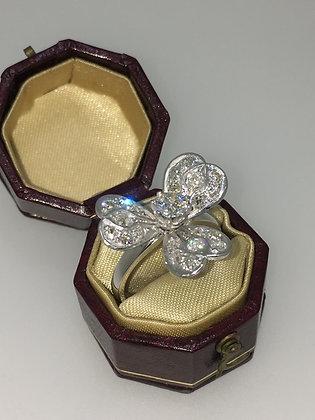 An Edwardian 15K White Gold, Silver & Diamond Ring