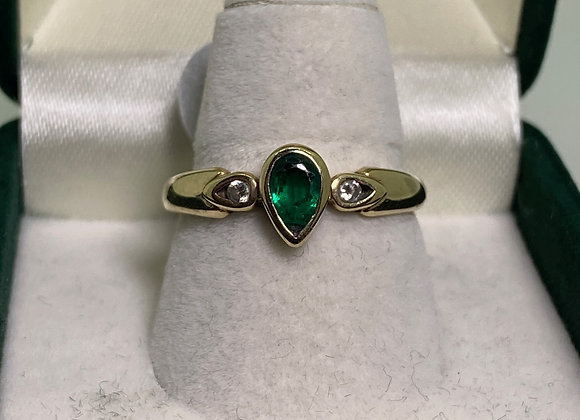 Drop-Shaped Gilson Emerald & Diamond Ring in 9K Yellow Gold