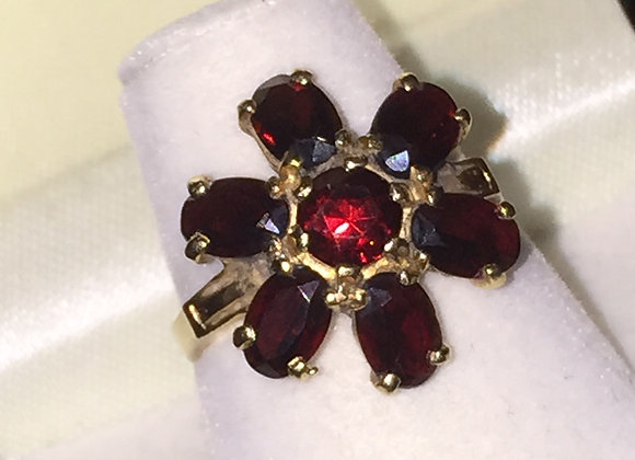 14K Gold & Garnet Flower Ring