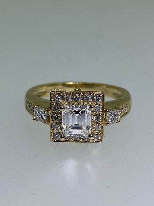 Emerald Cut Diamond Engagement Ring in 18K Yellow Gold