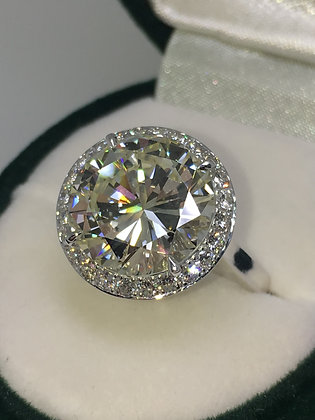 An Impressive 6.01ct Diamond Halo Ring in 18K White Gold