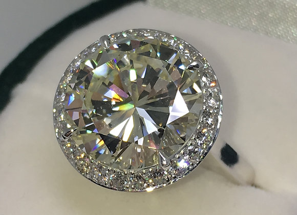An Impressive 6.01ct Diamond Halo Ring in 18K White Gold