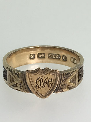 English (Birmingham) 9K Gold Shield Shaped Memorial Ring