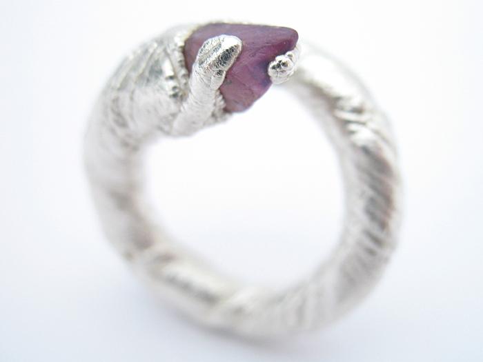 Fine silver, sapphire.