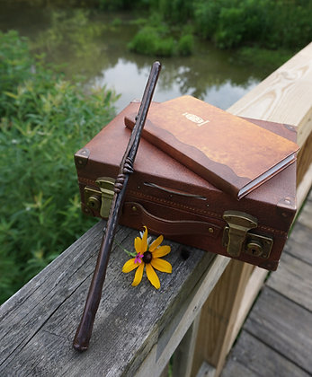 Magica Creatures Suitcase Wand