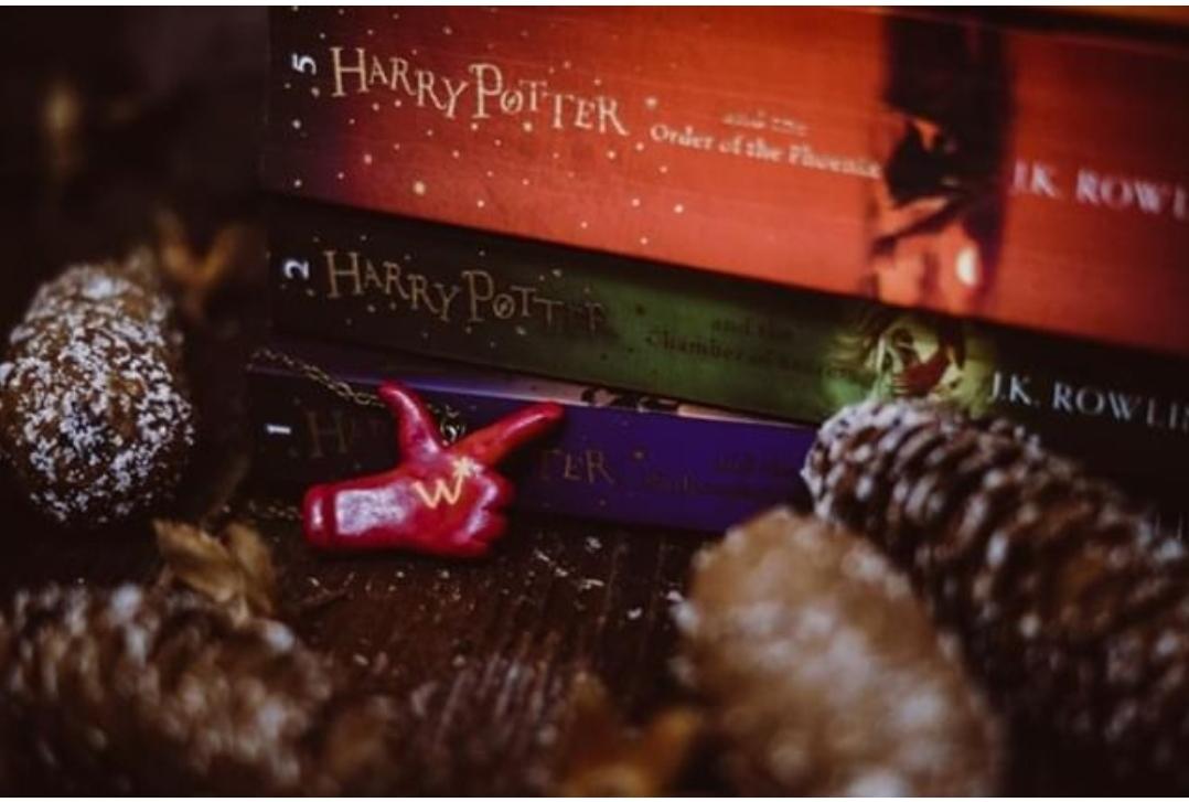 Weasley Wizard Weezes Necklace
