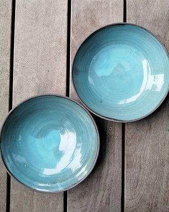 Sæt med to skåle specielt lavet til Møller Kaffe & Køkken i blå