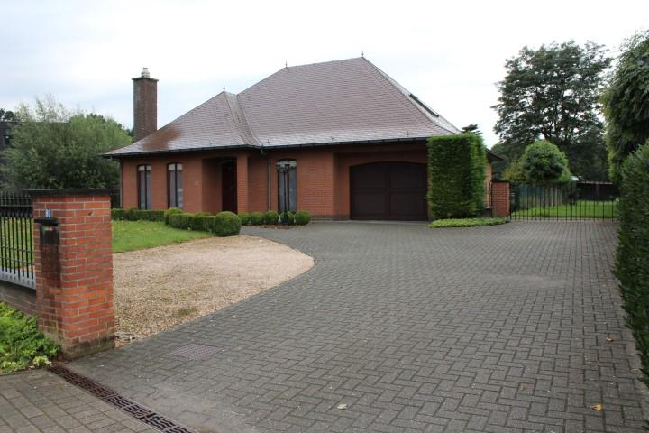 Villa te Waasmunster
