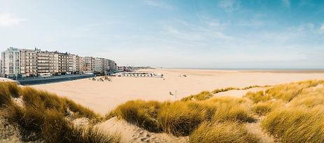 Belgische kust versus Spaanse Costa..jpg
