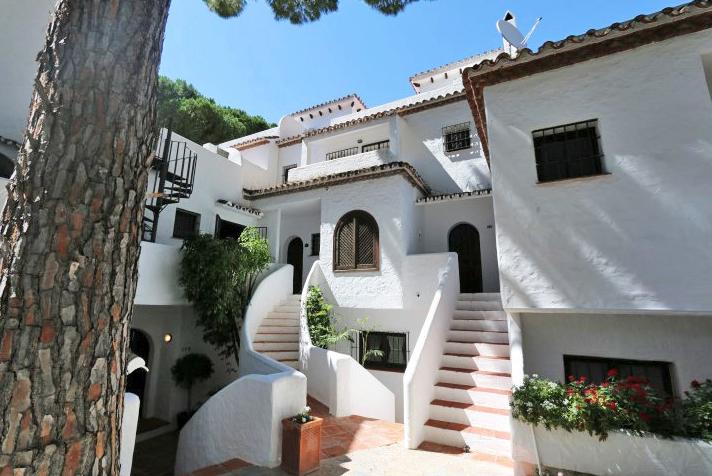 Nueva Andalucía townhouse €435.000