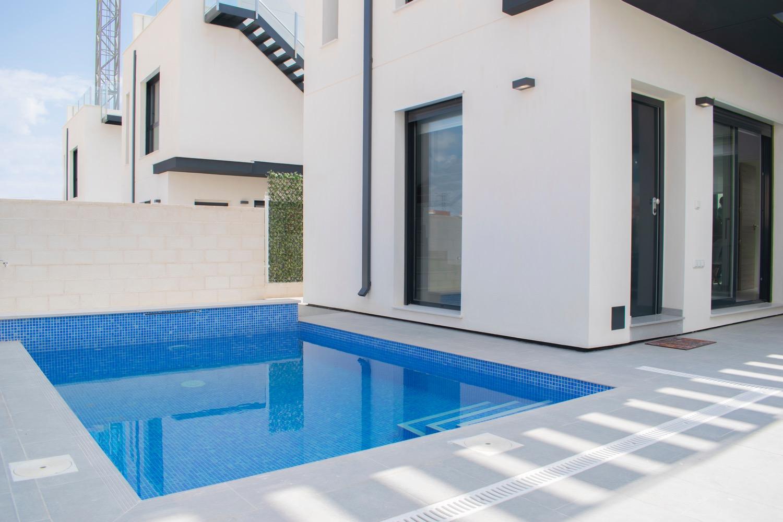 Villamartin villa €235.000