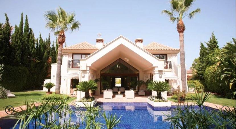 Nueva Andalucia villa €2.450.000