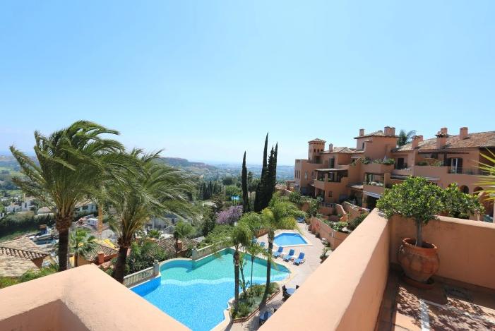 Nueva Andalucía duplex €730.000