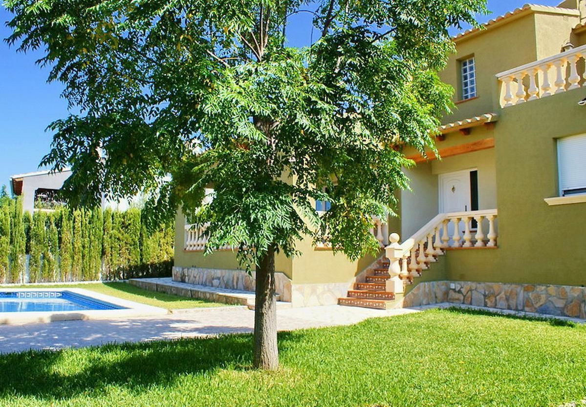 Denia villa in residentiele wijk..