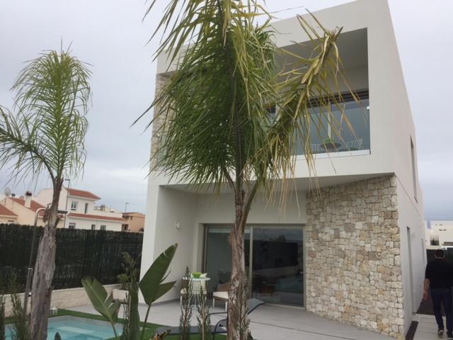 Benijofar villa's vanaf €334.900