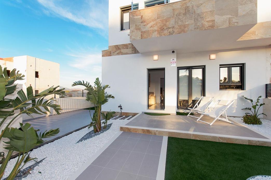 Polop geschakelde villa's €197.500