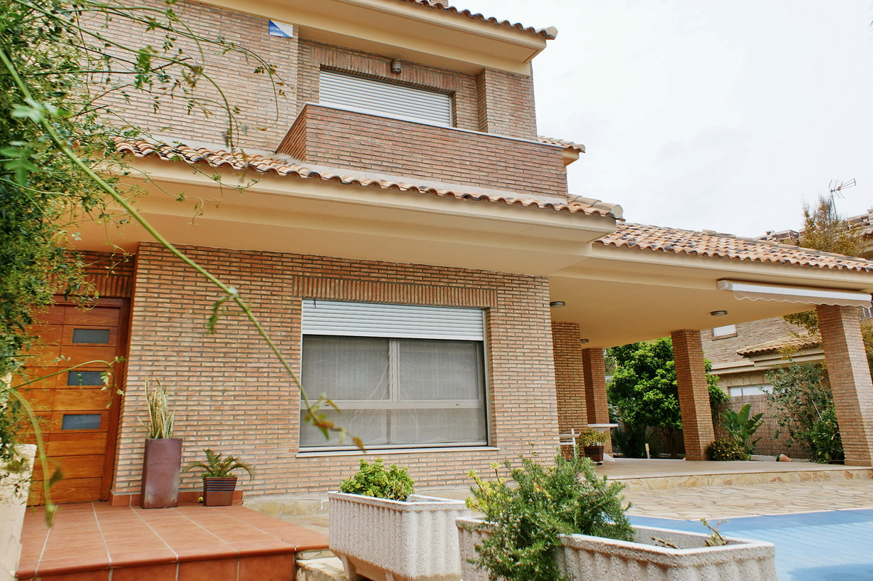 Valencia villa €1.050.000
