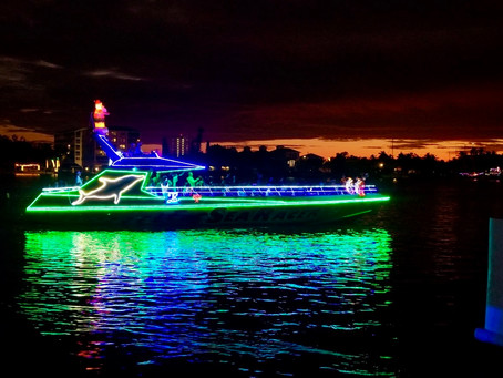 How to Ride in the Fort Myers Beach Christmas Boat Parade