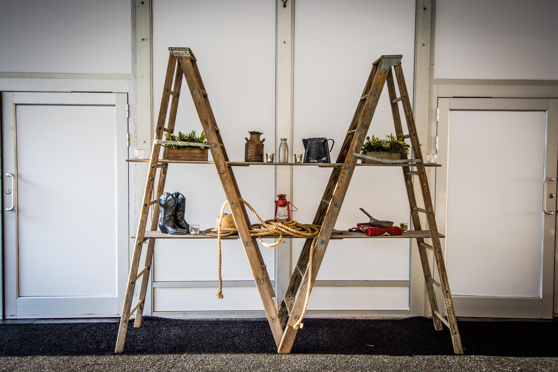 Ladder Display (2)