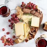 pinot-noir-cheese-gift-box-charcuterie-g