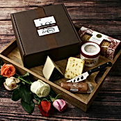 igourmet-cheese-gift-box.jpg