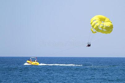 parasailing-yellow-flag-parasailing-yell