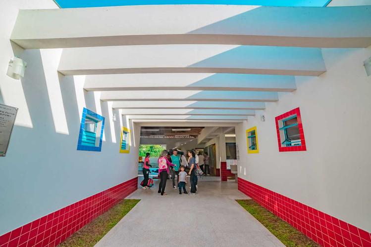 criancas-escola-ajuda-social-educacao-2.