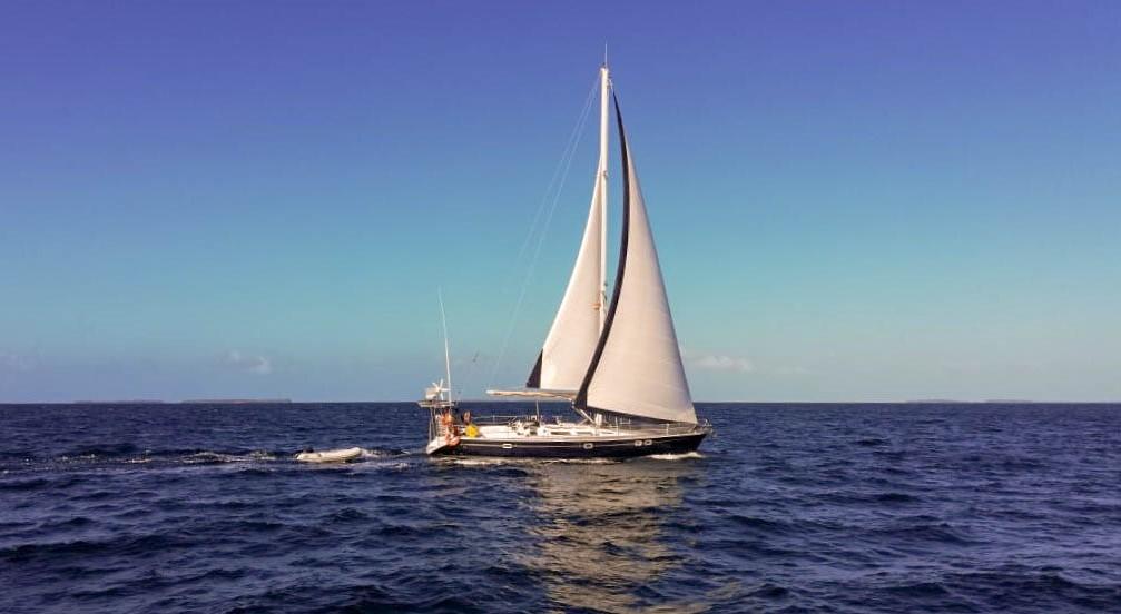atardecer navegando en el caribe