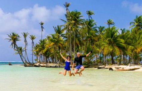 Turistas en Cayos Holadeses, San Blas, Panamá