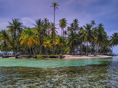 Ritmo caribeño sin estres. Relájate con nosotros viajando en nuestro barco velero para visitar todas las culturas del Caribe, por todos sus paises: Martinica, St Lucia, St Vicent y las Granadinas, Grenada, etc