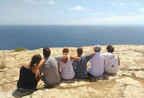 Dos familias de vacaciones en el faro de la Mola en Formentera